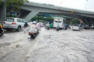 Vì sao đường Nguyễn Hữu Cảnh mưa là ngập?