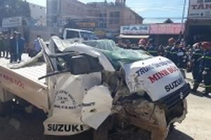 Hàng loạt phương tiện bị 'vò nát' sau vụ tai nạn kinh hoàng khiến 7 người thương vong