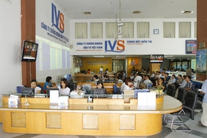 Đại Việt và loạt lãnh đạo IVS bán cổ phiếu nắm giữ, cá nhân gom hơn 6 triệu cp trở thành cổ đông lớn nhất