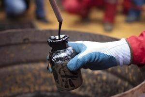 Giá dầu hôm nay (15/5) tăng nhờ báo cáo của OPEC
