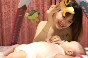 Lần đầu làm mẹ của Diễm Trang: 'Nhớ mãi khoảnh khắc con tìm sữa mẹ'