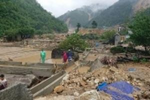 Lai Châu: Nước lũ cuốn trôi hàng trăm tấn cá Tầm