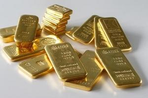 Giá vàng hôm nay (26/6) tiếp tục 'neo' gần đáy 6 tháng