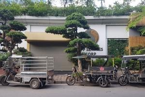 Cưỡng chế mương Phan Kế Bính: Xe ba gác vây kín trụ sở Công ty Đa Quốc Gia