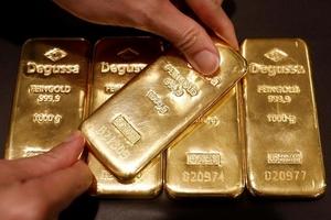 Giá vàng hôm nay (30/6) quay đầu tăng từ đáy 6 tháng