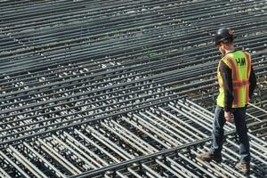 Giá thép xây dựng hôm nay (2/7) tiếp nối đà tăng từ quý II
