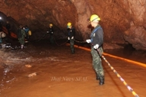 Cựu đặc nhiệm Thái Lan thiệt mạng khi giải cứu đội bóng trong hang