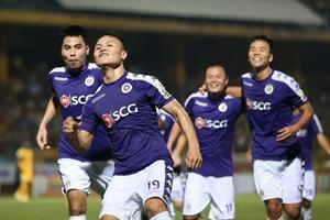 Ngày hội bóng đá Thủ đô tại SVĐ Hàng Đẫy: Tặng 100 quả bóng có chữ ký Quang Hải, Duy Mạnh... cho người hâm mộ