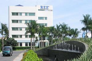 REE hụt hơi tại công ty liên kết mảng điện nước