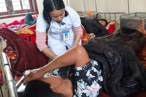Hà Tĩnh: Hơn 40 người ngộ độc sau khi ăn giỗ