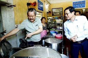 Hà Nội: Nguồn gốc nguyên liệu thực phẩm tại nhiều cửa hàng vẫn 'chưa rõ ràng'