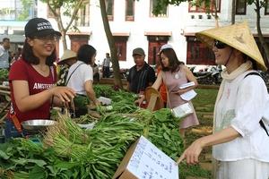 """Phiên chợ organic """"nói không với túi nilon"""""""