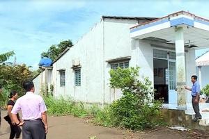 Mưa dông làm hư hỏng nhiều nhà dân và công sở ở Vĩnh Long