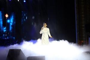 """Khánh Ly dành tặng khán giả đêm nhạc """"Như một lời chia tay"""""""