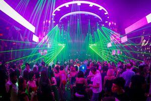 Hàng loạt quán bar, karoke, vũ trường ở TP.HCM tạm dừng hoạt động vì COVID-19