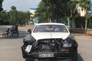 Siêu xe Rolls-Royce trên 20 tỷ gặp nạn