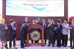 Techcombank chính thức niêm yết hơn 1,16 tỷ cổ phiếu - mã TCB trên sở giao dịch chứng khoán TP.HCM