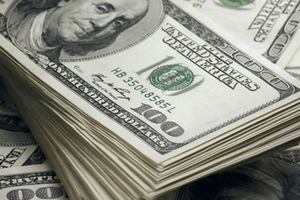 Giá USD tự do bất ngờ giảm mạnh xuống 23.400 VNĐ/USD