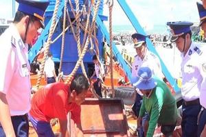 Cảnh sát biển bắt giữ hơn 65 nghìn lít dầu DO trái phép