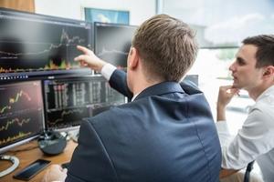 Góc nhìn chuyên gia tuần mới: Dành cơ hội cho nhóm cổ phiếu nào?