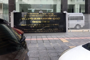 """Mở 2 gói thầu """"lùm xùm"""" tại Bà Rịa - Vũng Tàu: Vừa đủ 3 nhà thầu nộp hồ sơ dự thầu mỗi gói"""