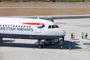 Hai 'ông lớn' ngành hàng không cắt giảm nhân sự quy mô lớn do COVID-19
