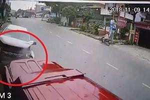 Clip: Tài xế ngủ gật, ô tô lao vun vút gây tai nạn rùng mình