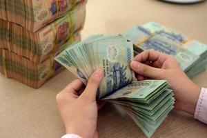 Ngân hàng tồn bao nhiêu tiền mặt tại quĩ?