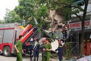 Ngôi nhà trên phố Hàng Bông (Hoàn Kiếm, Hà Nội) bất ngờ đổ sập
