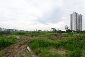Nhu cầu ảo, rủi ro thực chực chờ người mua đất nền vùng ven