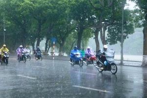 Thời tiết 11/11: Thủ đô Hà Nội ngày có mưa rào vài nơi, sáng sớm và đêm trời lạnh