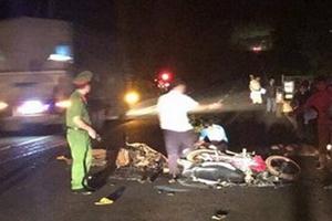 Hai xe máy tông nhau trực diện, 3 người thương vong