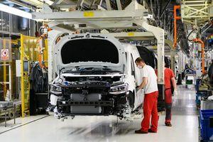 """Ngành sản xuất ôtô đối mặt với """"khủng hoảng cầu"""" do dịch COVID-19"""