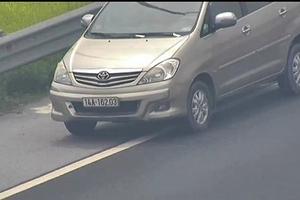 Tước giấy phép lái xe 2 tháng với nữ tài xế đi lùi trên cao tốc Hà Nội- Hải Phòng