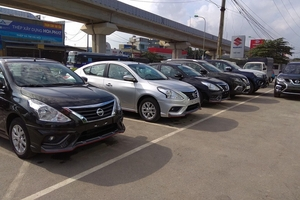 Giá ôtô liên tục giảm sâu, dân Việt vẫn chê cao ngất ngưởng