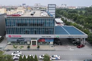 Chủ xe bức xúc đại lý Toyota Long Biên sửa chữa cẩu thả, coi thường khách hàng