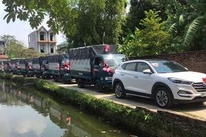 Clip: Thú vị cảnh rước dâu bằng dàn xe tải ở Hà Nội