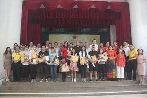 Lễ tuyên dương học sinh, sinh viên tiêu biểu họ Đinh ở Hà Nội