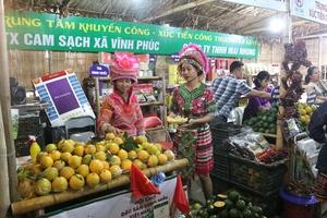 Người dân thủ đô trải nghiệm nét văn hóa vùng miền tại Hội chợ Đặc sản vùng miền Việt Nam 2019