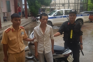 Đối tượng trộm cắp xe máy ở Hà Nội bị bắt giữ vì vi phạm giao thông