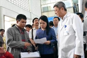 Bộ trưởng Y tế: Không để bệnh nhân chờ 4 giờ để khám bệnh