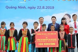 Trẻ em Quảng Ninh đón nhận tài trợ ngôi trường mới và hơn 71 ngàn ly sữa