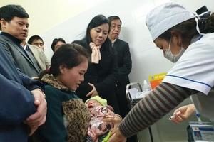 Bộ trưởng Y tế: Trẻ tiêm vắc xin mới có phản ứng tốt