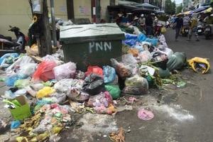 Quảng Ngãi: Họp khẩn tìm phương án xử lý lượng rác thải