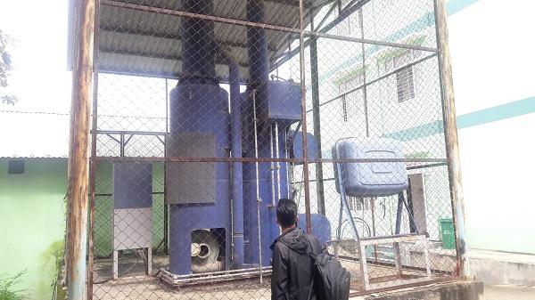 Lò đốt xử lý chất thải độc hại bị hoen rỉ và xuống cấp do bị dừng hoạt động đã 10 năm