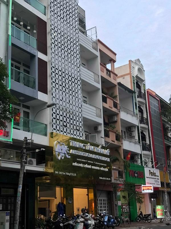 Phòng khám chuyên khoa thẩm mỹ thuộc công ty TNHH TM A&K ở địa chỉ 342-344 Cao Thắng, phường 12, quận 10