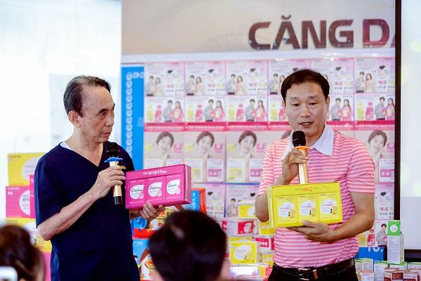 Ông Hong Took Chu - Giám đốc công ty Dược phẩm Il-yang chia sẻ cho các chị em phụ nữ về bí quyết chăm sóc sức khỏe