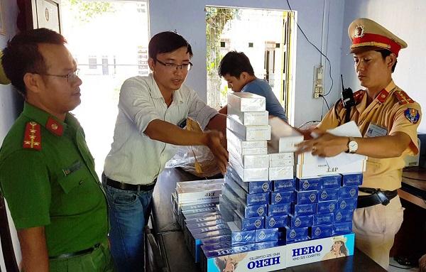 Hàng trăm gói thuốc lá ngoại nhập bị bắt giữ