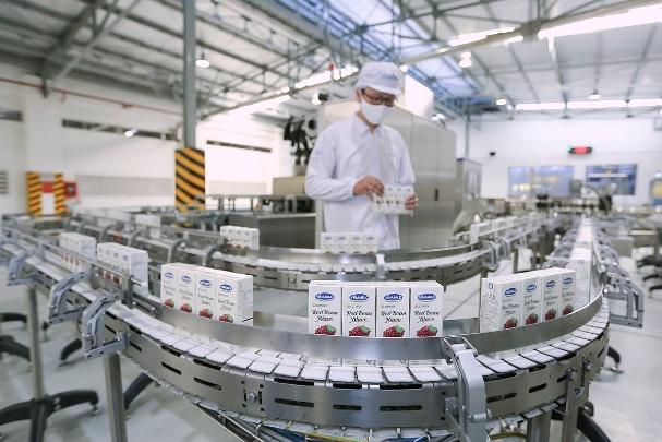 Vinamilk ký hợp đồng 1,2 triệu USD xuất sữa hạt sang Hàn Quốc - VnExpress  Kinh doanh