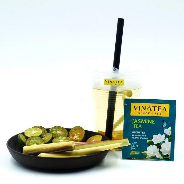 Những sản phẩm của Vinatea có mặt phục vụ du khách tại đồi chè 69 - Tiểu khu Chè Đen - Thị trấn Nông trường trong Tuần Văn hóa - Du lịch tỉnh Sơn La năm 2018